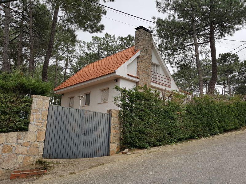 Casas en el tiemblo best casas with casas en el tiemblo el tiemblo vila por jamesmau with - Casas rurales el tiemblo ...