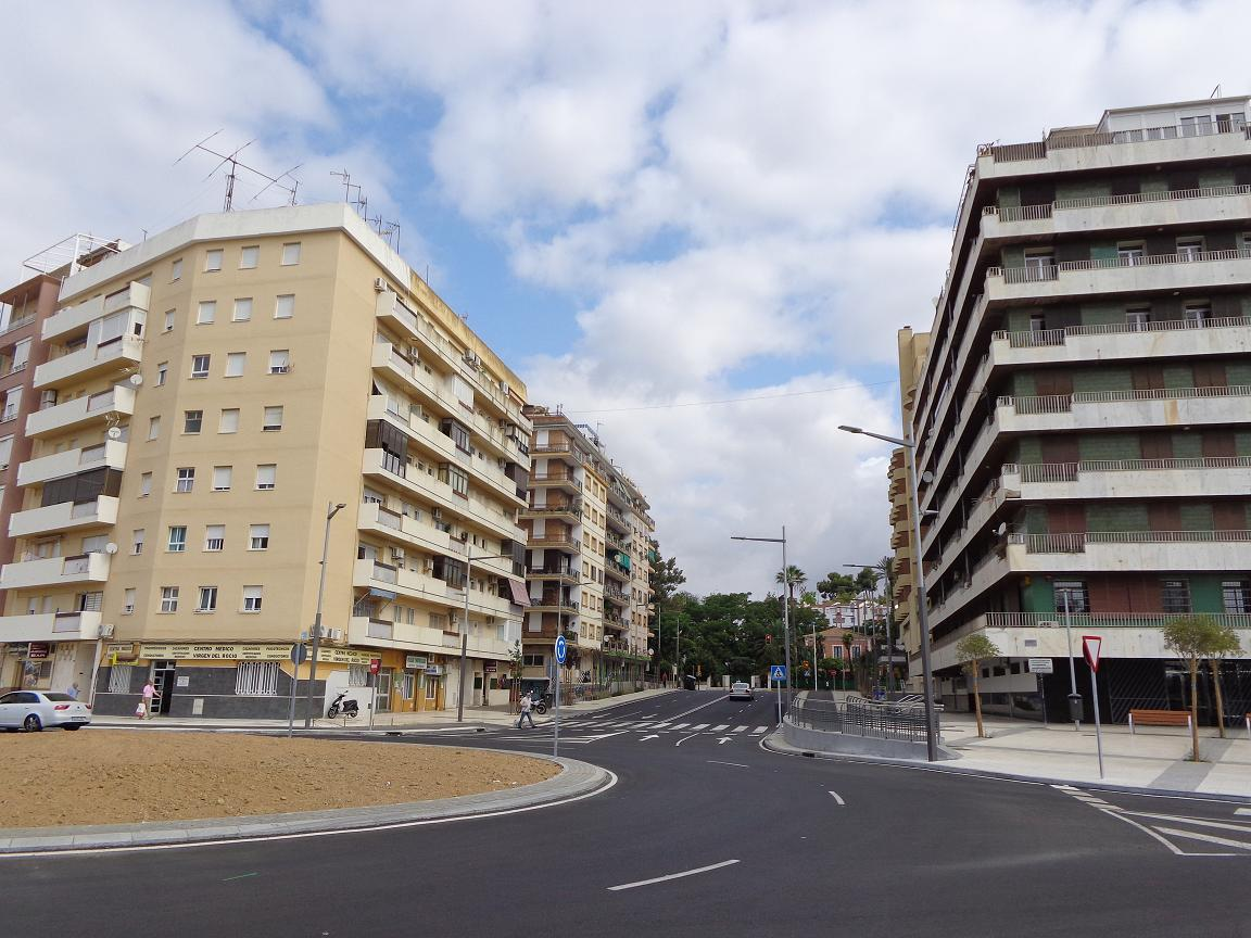 Piso en alquiler con 110 m2, 3 dormitorios  en Tartessos, Reina Victor