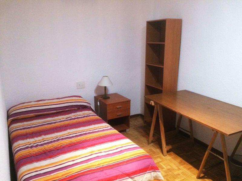 Piso en alquiler de habitación con 110 m2, 3 dormitorios  en Centro (S
