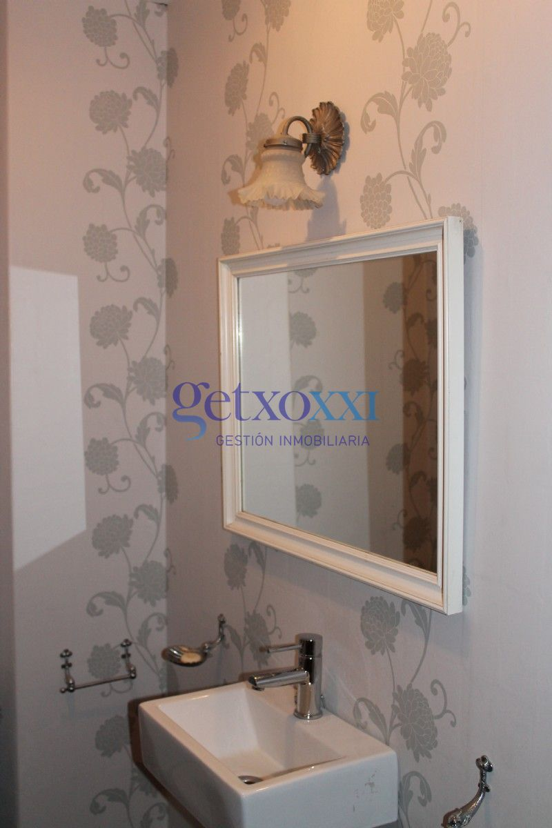 Piso en venta con 325 m2, 6 dormitorios  en Getxo