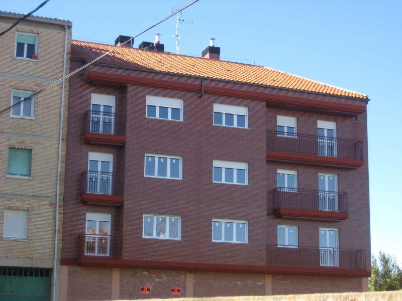 Piso en venta con 85 m2, 2 dormitorios  en Alberite