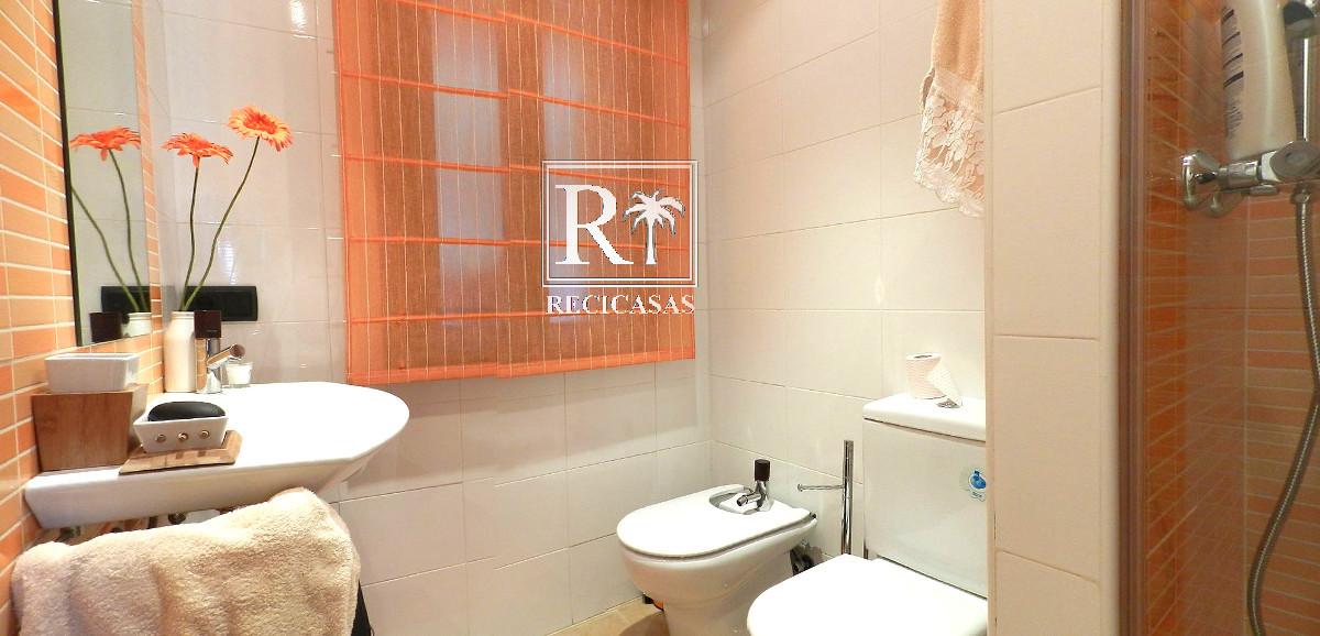 Casa en venta con 1240 m2, 9 dormitorios  en Poyales del Hoyo, Crta. C