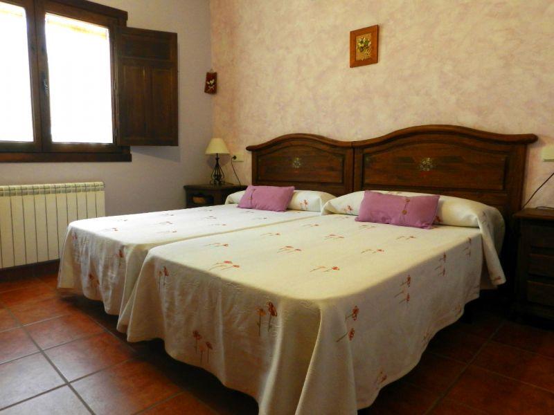 Casa en venta con 392 m2, 8 dormitorios  en Candeleda, Campo