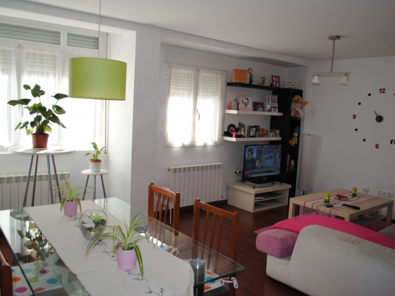 Piso en venta con 95 m2, 2 dormitorios  en avda de valladolid - barria