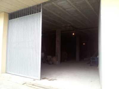 Local en venta con 300 m2,  en Cerceda