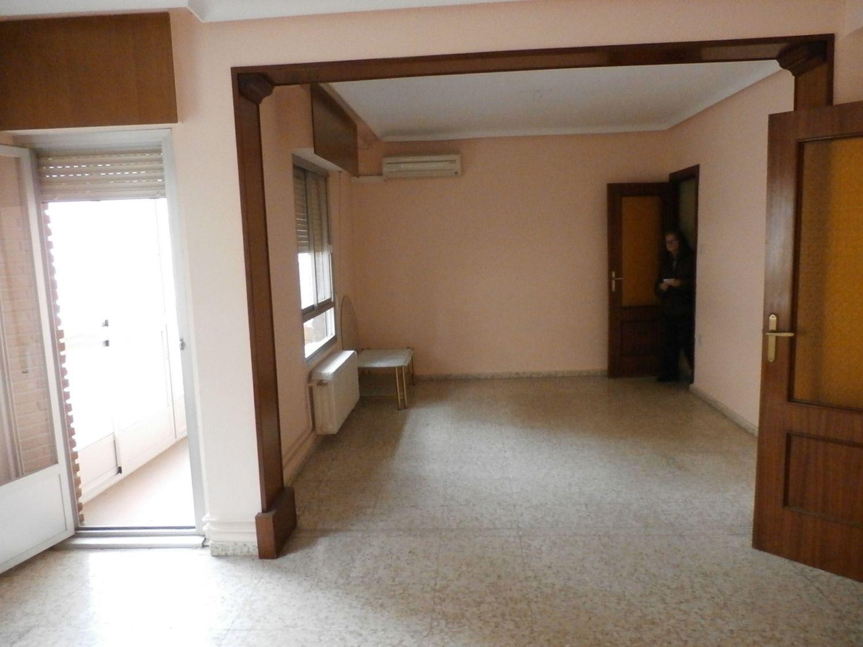 Piso en venta con 100 m2, 2 dormitorios  en Centro, Villacerrada, Paja