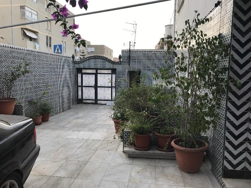 Casa en venta con 250 m2, 4 dormitorios  en Parques de Ceuta (Ceuta)